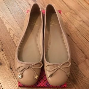 Tory Burch beige leather Laila Driver Ballet Flat